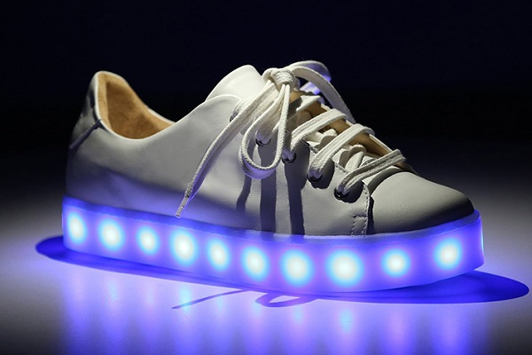 schutz tenis light on