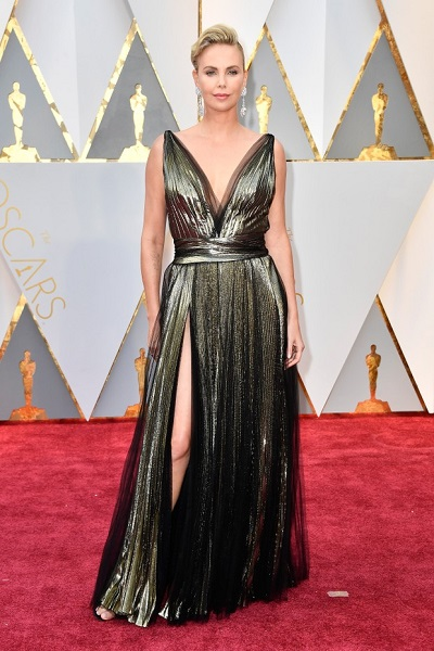 charlize theron look oscar 2017